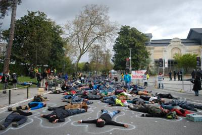 day-3-mass-die-in-e1460298850148